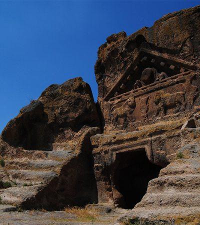 Solon'un Mezarı - Aslanlı Mabet